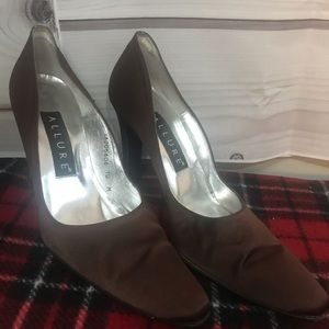 Allure brown Silk Heels size 10 m